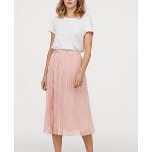 H&M nude midi accordion skirt